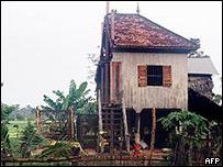 casa cortada por la mitadjpg